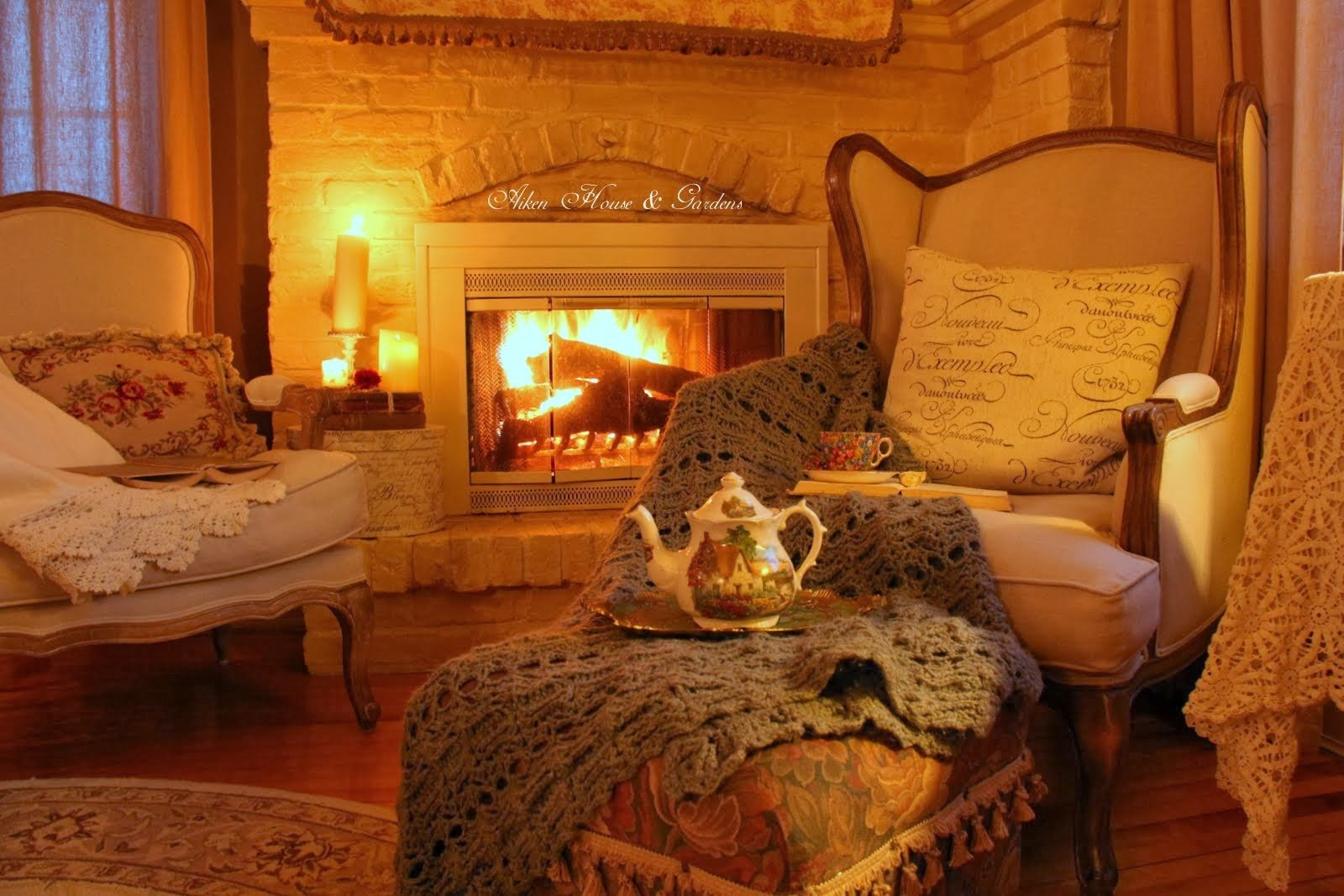 Make it a comfy cozy fall with these soul warming ideas for 7 cosy living room looks for autumn