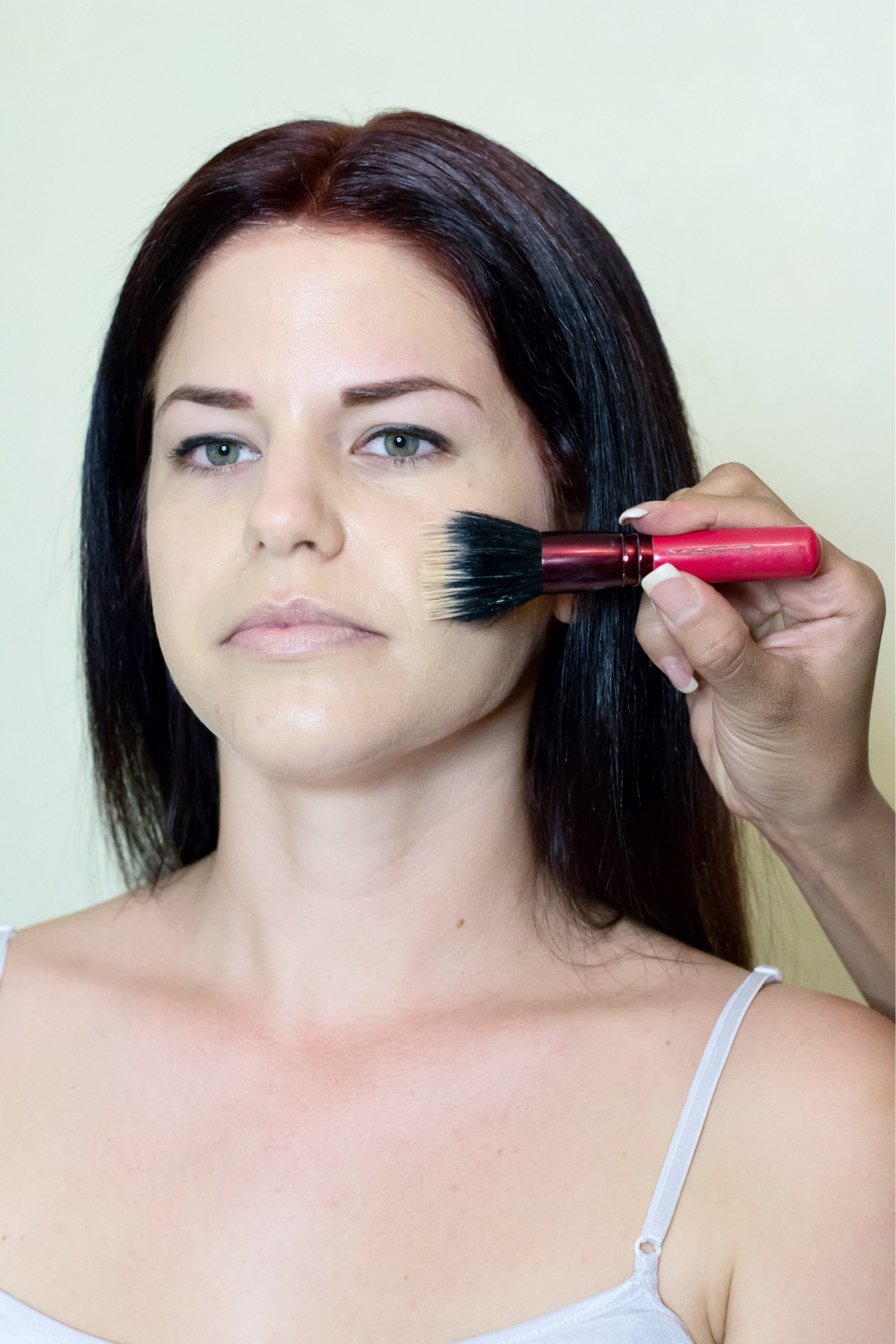 "Professional Makeup Artists Headshots: Professional Tips To Getting The Nude ""No-Makeup"" Makeup"