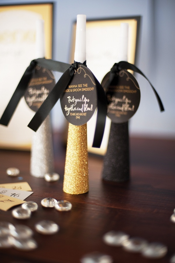 Rockin\' Ideas for a Black and Gold New Years Eve Wedding -Beau ...