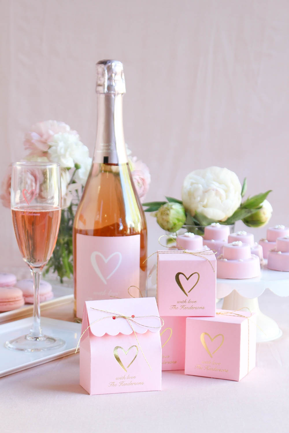 pink wedding, heart themed wedding, classic wedding, pink and gold wedding, blush pink wedding, classic heart wedding, rose, pink wine, personalized wine bottle, personalized wine bottle label, custom wine bottle, custom wine bottle label, pink favor boxes, personalized favor boxes, pink packaging, pink favor packaging