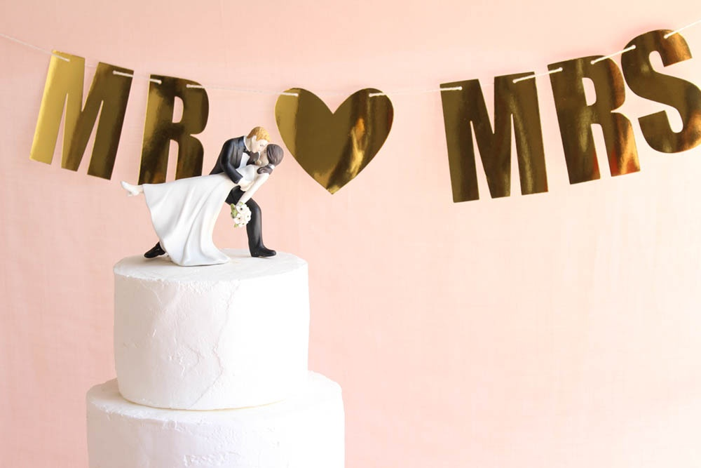 pink wedding, heart themed wedding, classic wedding, pink and gold wedding, blush pink wedding, classic heart wedding, bride and groom cake topper, wedding cake topper, classic cake topper, mr and mrs, wedding banner, wedding sign