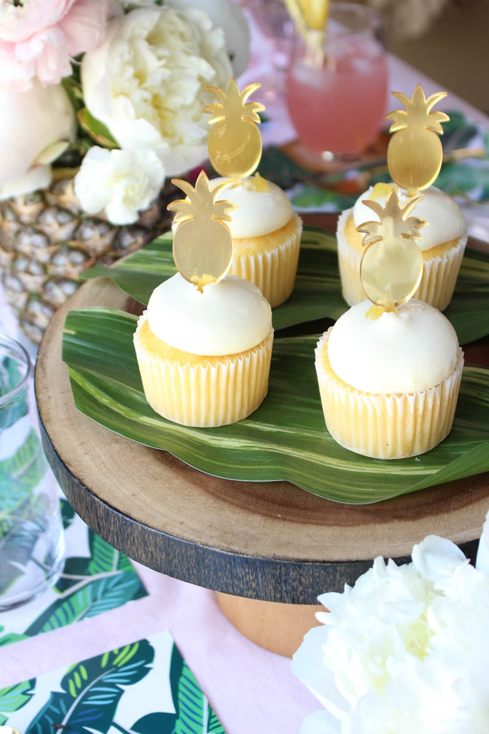 tropical bridal shower, tropical wedding, pineapple bridal shower, pineapple wedding, pineapple cupcakes, pineapple cupcake toppers