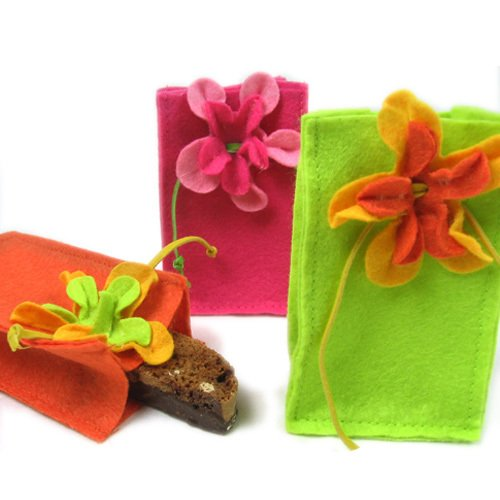 Felt Favor Bags with Flowers