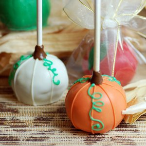 Mini Holiday Cake Favor Pops