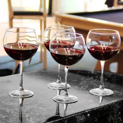 Personalized Wine Glasses Gift Set