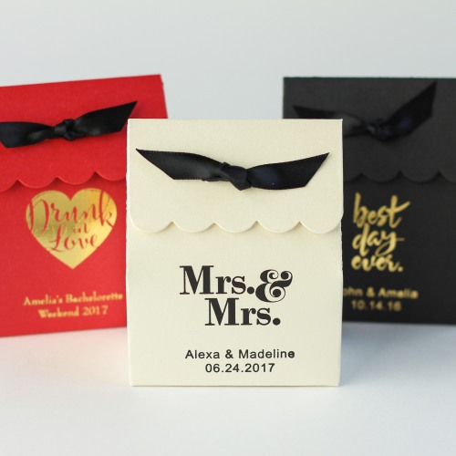 Personalized Scalloped Favor Boxes