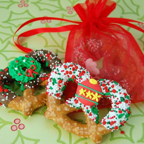 Holiday Pretzel Twist