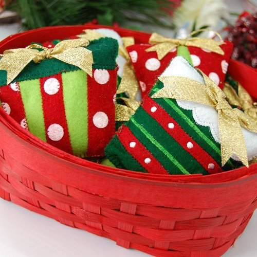 Holiday Sachet Ornaments with Basket