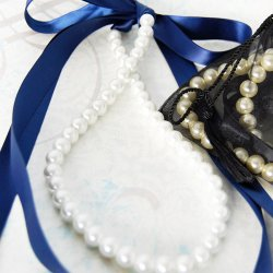 Ribbon Tie Pearl Necklace