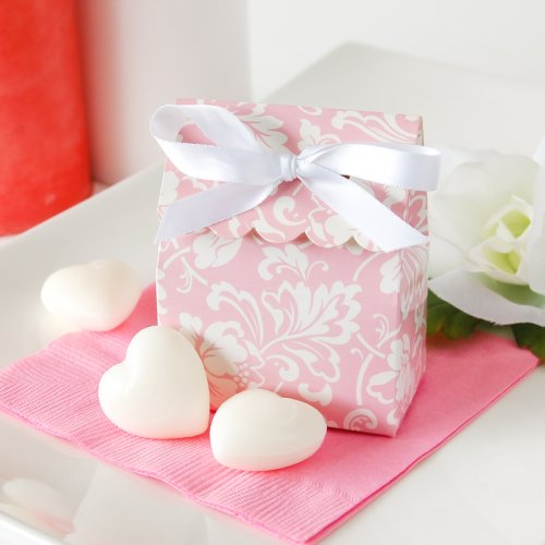 Patterned Scalloped Favor Box with Heart Soaps