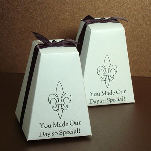 Personalized Pedestal Wedding Favor Box