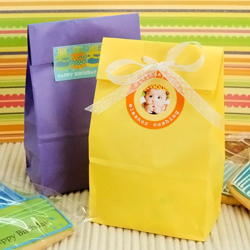 Self Standing Color Paper Birthday Goo Bags