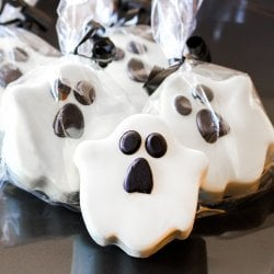 Ghost Design White Chocolate Covered Oreo Cookie