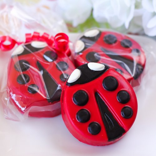 Ladybug Chocolate Covered Oreo Cookies