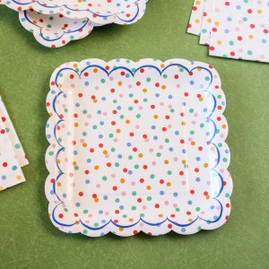 "Toot Sweet Spotty 9"" Party Plates"