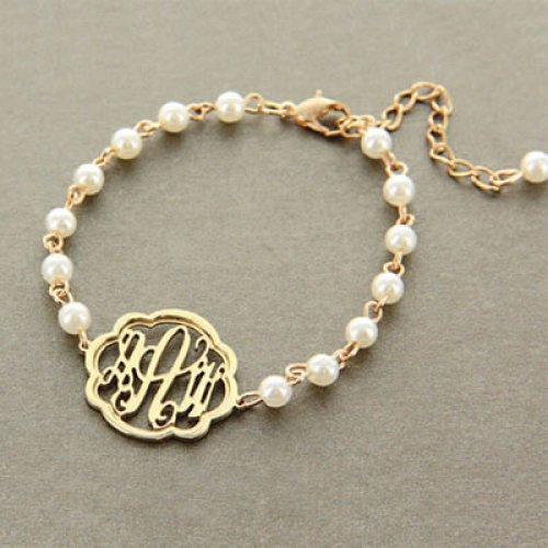 Flourish Monogram Pearl Bracelet in Gold