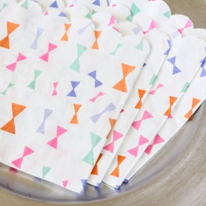 "Toot Sweet Bow Pattern 6"" Party Napkins"