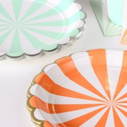 Toot Sweet Scalloped Stripe Party Plates