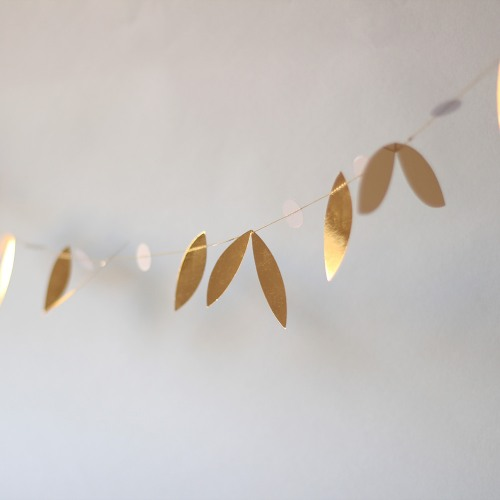 Mini Gold Leaf Garland
