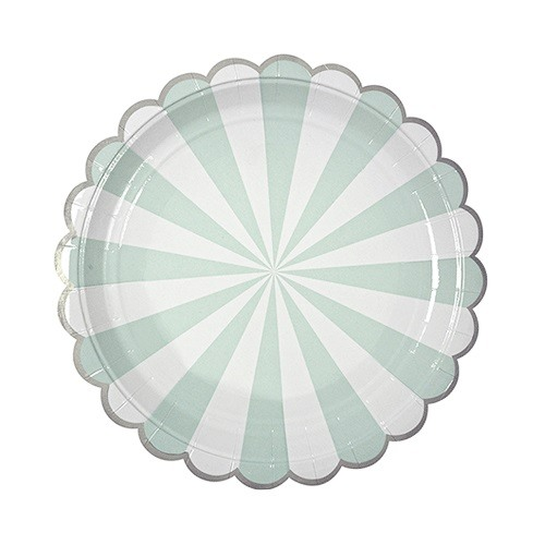 scalloped paper plate
