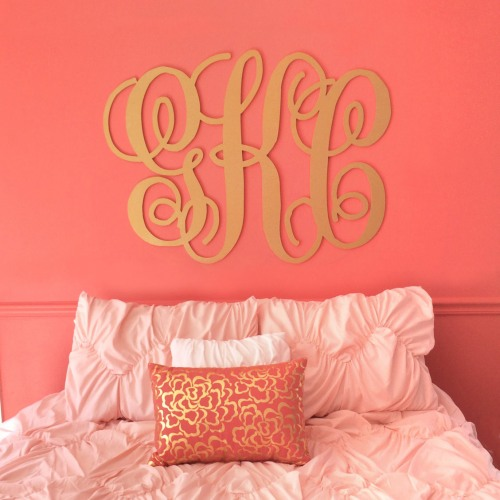 DIY Gold Painted Monogram Wall Decor