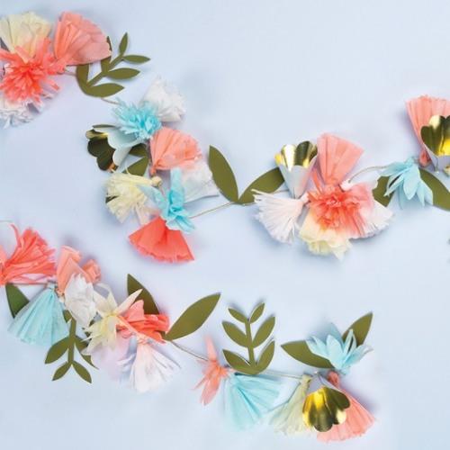 Floral Bouquet Garland Details