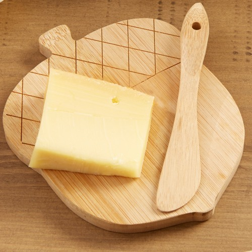 Acorn Shaped Cheeseboard and Spreader Party Favor